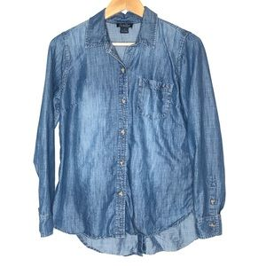 Lucky Brand Chambray button down shirt Small